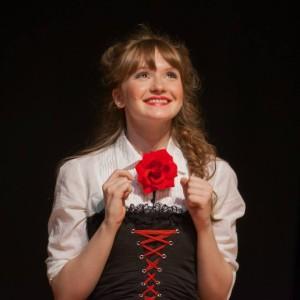 Валерия Дашкова в спектакле «As you like it». Источник фото: https://www.facebook.com/the.midas.theatre/photos_stream